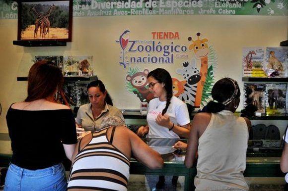 0414 tienda juguetes zoologico8 580x386