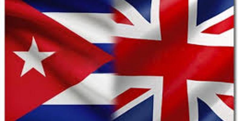 Banderas de Cuba e Inglaterra