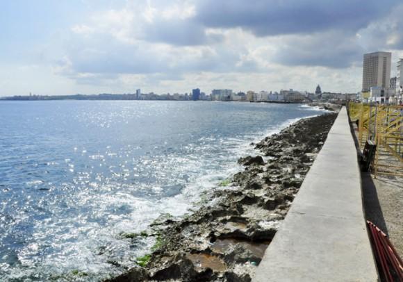 Aguas limpias arrecifes sucios_ Foto_ Roberto Garaicoa Martínez_ CUBADEBATE 580x406