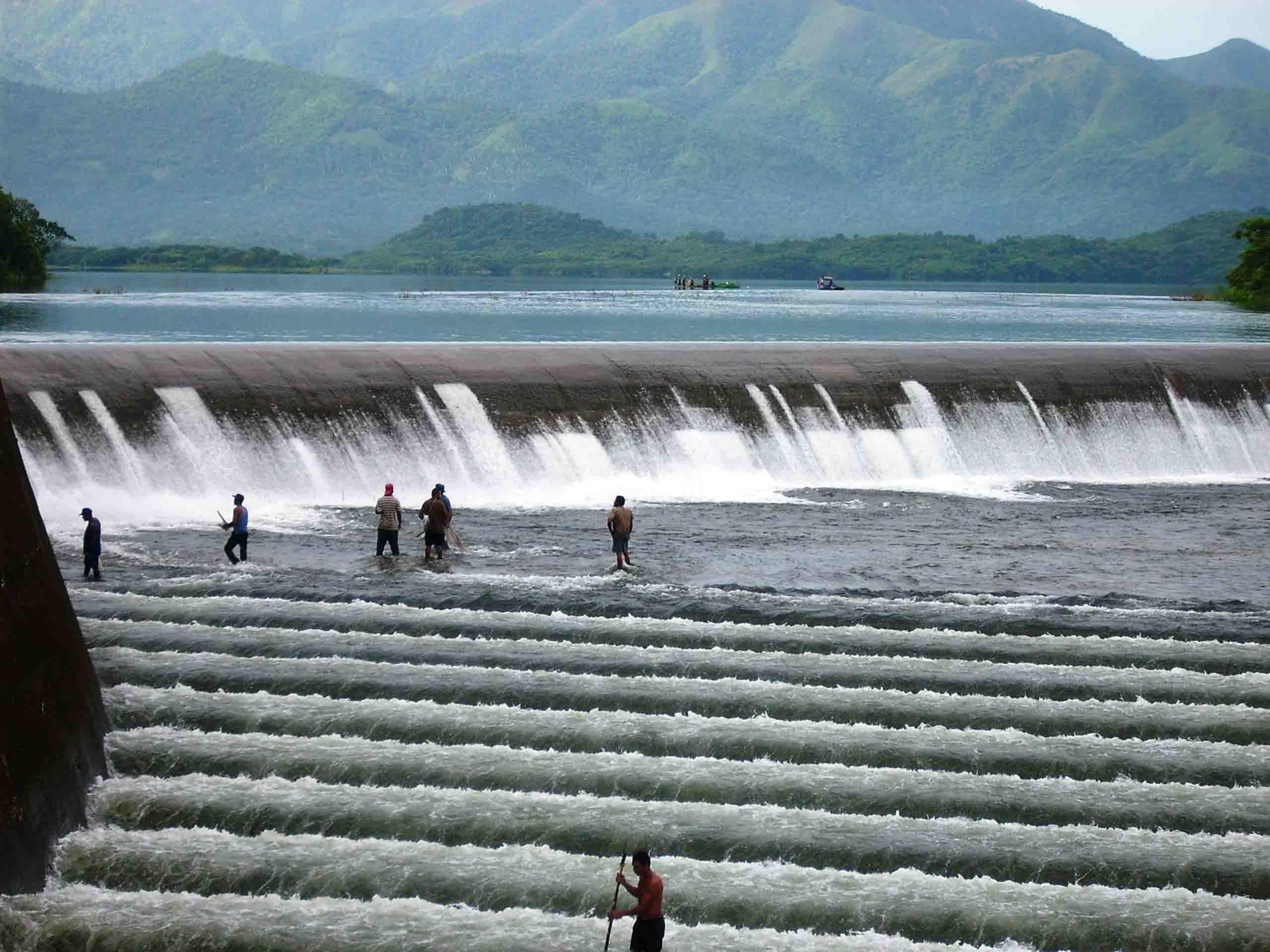 Foto a tomada de internet pie de foto Uno de los objetivos de la Ley es ordenar la gestión integrada y sostenible de las aguas terrestres recurso natural renovable y limitado_