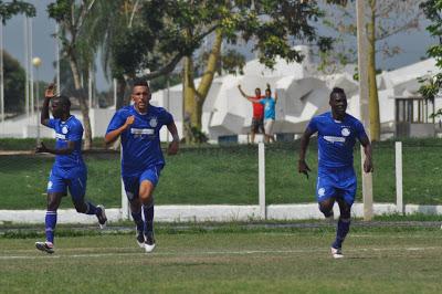 Héctor_Portell_celebra_su_gol