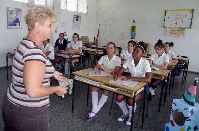 clases escuelas en pinar del rio cuba