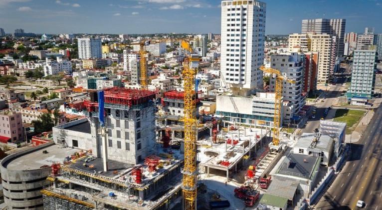 construccion_hoteles_cuba_jpg_1638x1229_q85_subject_location 819616_subsampling 2