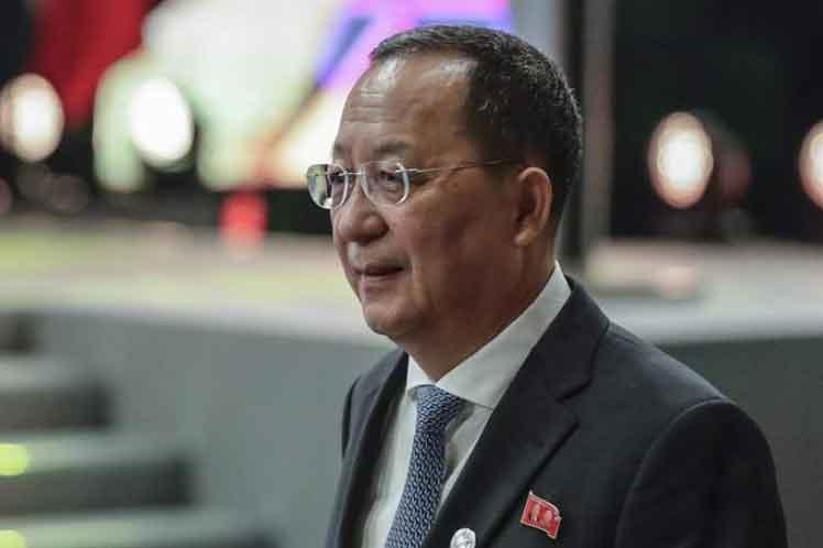 corea canciller Ri Yong Ho