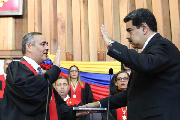 Nicolás Maduro asume presidencia ante alrededor de un centenar de delegaciones internacionales