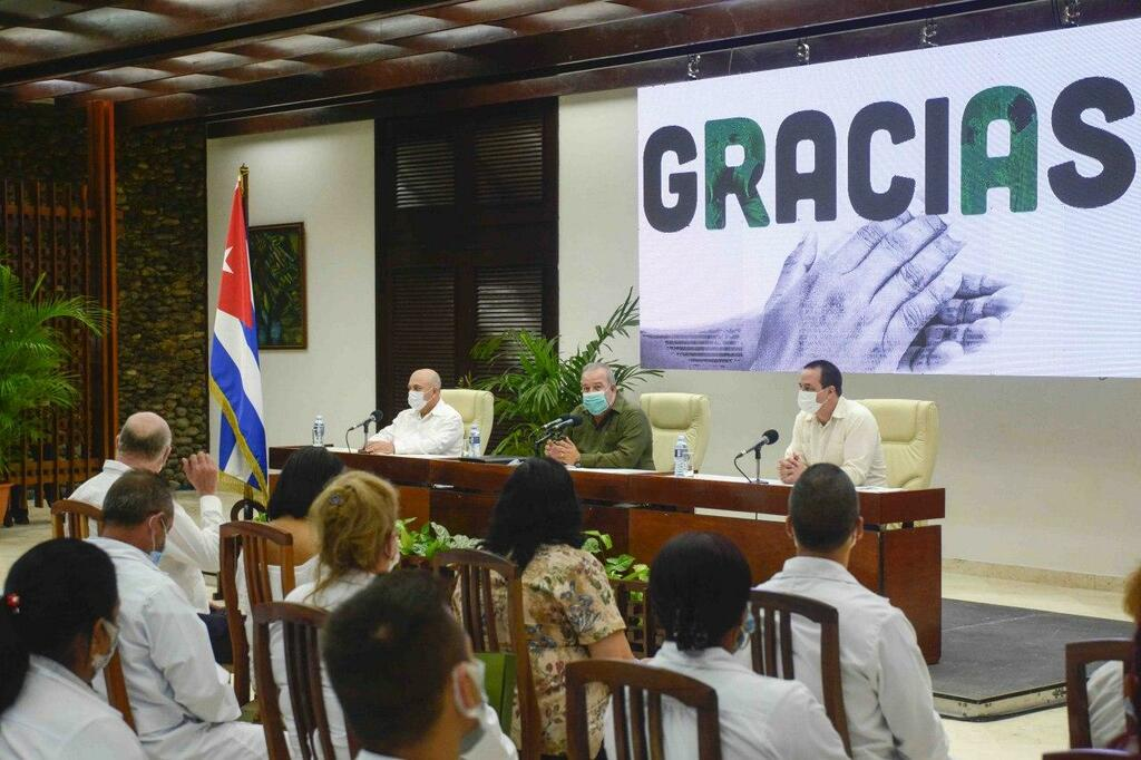 Resaltan humanismo de colaboración médica cubana en el combate a la Covid-19 (+ Fotos)