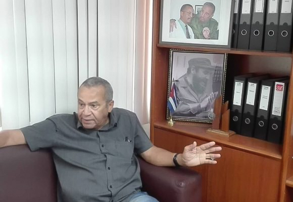 """Luis Herrera: """"Cuba cuenta con una plataforma tecnológica sólida para producir vacunas. No es algo que Cuba tenga que demostrar, está demostrado"""". Foto: Cortesía CIGB."""