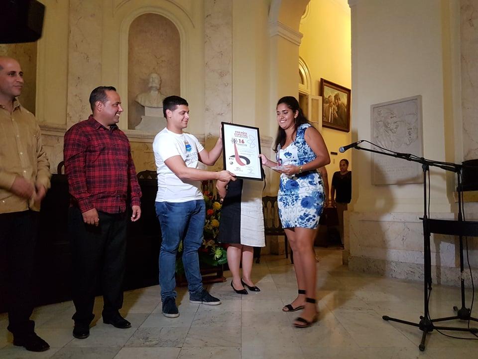 La Habana, Cuba.- Los premios y las menciones de la XVI Exposición Nacional Forjadores del Futuro fueron entregados, en la Academia de Ciencias de Cuba, en el acto por el aniversario 55 de las Brigadas Técnicas Juveniles (BTJ), fundadas por Fidel.