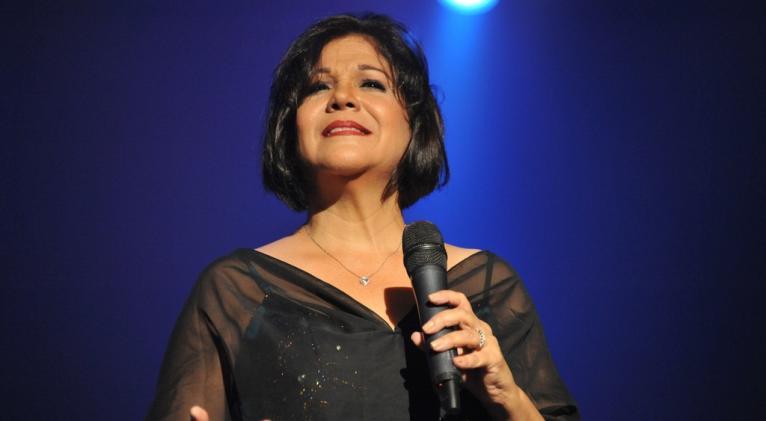 Ivette Cepeda celebra con las canciones que estaban ahí