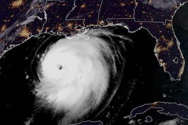 Imagen del satélite del huracán Laura