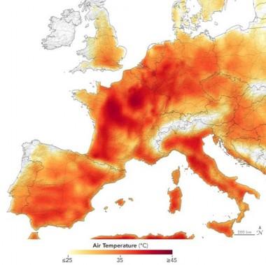 El 25 de julio de 2019 se reportaron valores de temperatura superiores a 40 grados Celsius en Europa. Fuente: NASA Earth Observatory.