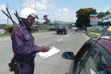 Multas de tránsito podrán abonarse ahora por teléfono