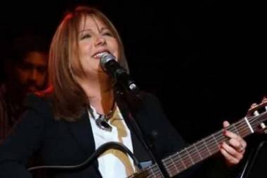 La cantante cubana Liuba María Hevia