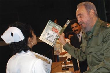Díaz-Canel recuerda concepción de Fidel Castro sobre cooperación médica