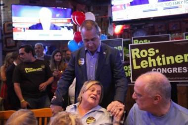 Ileana Ros-Lehtinen y congresistas cubanoamericanos
