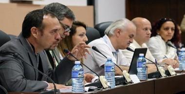 Facultad de Comunicación de la Universidad de La Habana y otros expertos