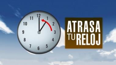 Banner alegórico al cambio de horario en Cuba