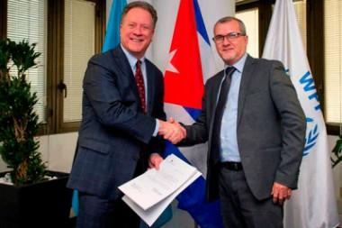 Director Ejecutivo de esa agencia de la ONU, David Beasly, y el Representante Permanente de Cuba ante organismos internacionales con sede en Roma, embajador José Carlos Rodríguez