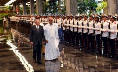 Raúl recibe a presidente de la República Saharaui