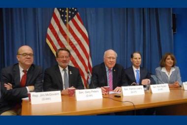 Congresistas demócratas defienden mejores relaciones Cuba-EE.UU.