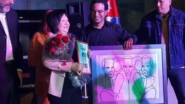 Flora Fong, destacada artista plástica entre las condecoradas
