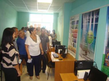 Sala de servicios telemáticos de Citmatel en Pinar del Río