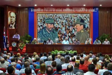 Presidente de Cuba insta a trabajar creativamente en contexto actual