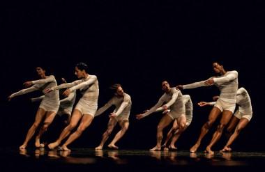 Bailarines de Acosta Danza. Foto: Yuris Nórido