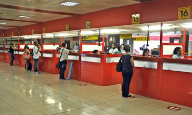 Chequeo de pasajeros en el aeropuerto
