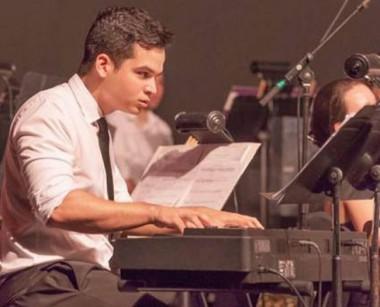 Ahmed Alom Vega