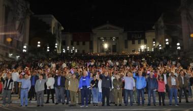 Raúl y Díaz-Canel encabezaron Marcha de las Antorchas. Foto/Granma