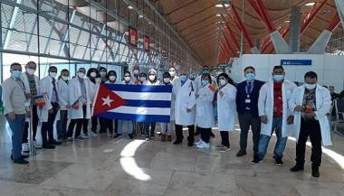 Recibimiento a los médicos cubanos que combatieron la Covid-19 en Andorra