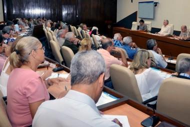 El Plan de Estado para el enfrentamiento al cambio climático, denominado como Tarea Vida, y el programa para detener el deterioro del patrimonio documental de Cuba, continúan en la agenda del Presidente Miguel Díaz-Canel Bermúdez. Foto: Estudio Revolución.