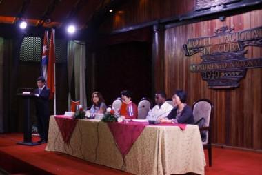 Firman Cuba y Zhejiang memorándum de entendimiento comercial