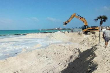 El vertimiento de arena a Playa Larga en Cayo Coco