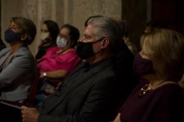 La velada conto con la presencia del presidente cubano Miguel Díaz-Canel
