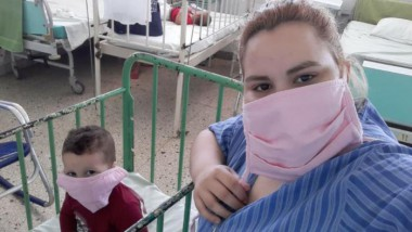Próximos a cumplir el periodo de aislamiento de los 14 días, el pequeño Dilan y su madre Liliana, serán sometidos nuevamente a una prueba de confirmación para descartar la existencia del virus en sus organismos. Foto: Cortesía de la entrevistada