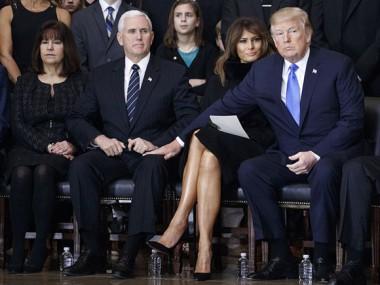 Donald Trump y el vicepresidente Mike Pence con Melania en medio y la esposa del vicepresidente a la izquierda. Foto: Getty Images.
