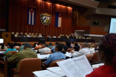 Nuevas leyes complementan Constitución cubana