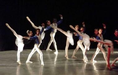Ballet de la Academia de las Artes Vicentina de la Torre