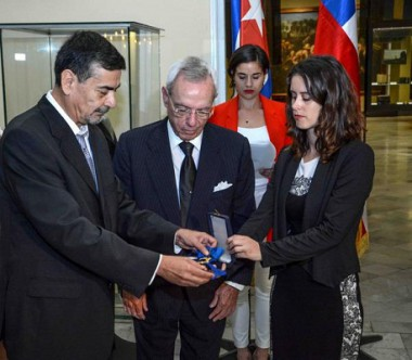 Distinguen a Eusebio Leal con Orden al Mérito de Chile