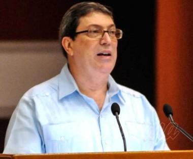 Canciller cubano rechaza difamación contra colaboración de Salud en Bolivia