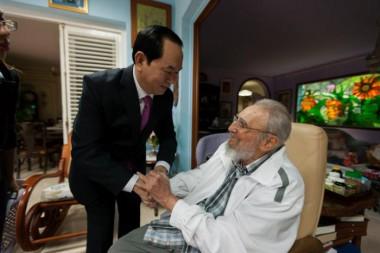 Fraterno encuentro de Fidel con el presidente de Vietnam