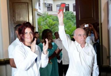 Reconocen a Raúl Castro en aniversario 55 del Instituto Victoria de Girón