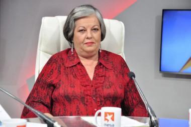 Margarita González Fernández, Ministra de Trabajo y Seguridad Social en la Mesa Redonda.