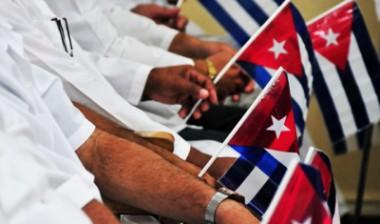 Médicos cubanos ofrecen solidaridad