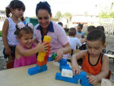 Niños jugando. Foto: Ronald Suárez Rivas/Granma