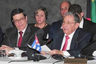 Raúl Castro y Bruno Rodríguez en Antigua y Barbuda