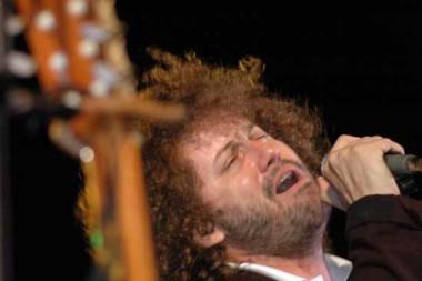 El cantautor cubano Raúl Paz