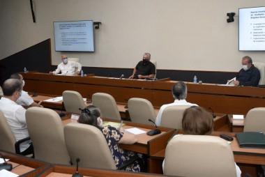 Reconoce Díaz-Canel fortaleza de los protocolos cubanos en el tratamiento de la Covid-19